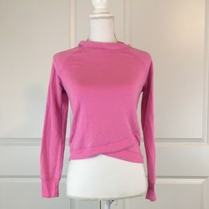 Tight Fit Crop Workout Long Sleeve.